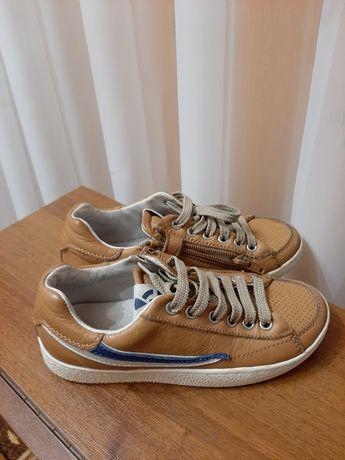 Кроссовки кеды кожаные 19 см.
