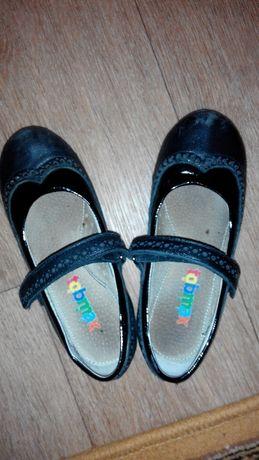 Отличные удобные туфли для девочки 31р-р