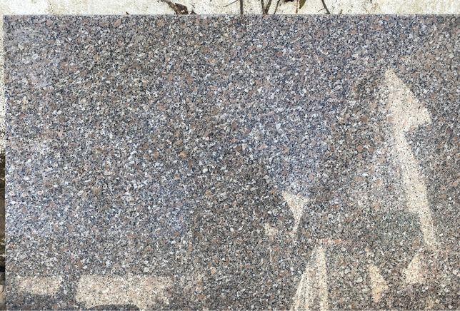Pedra Granito Bancada 188x64,5cm
