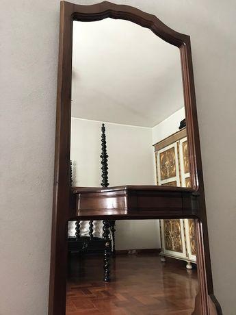 Espelho com gaveta - muito sóbrio