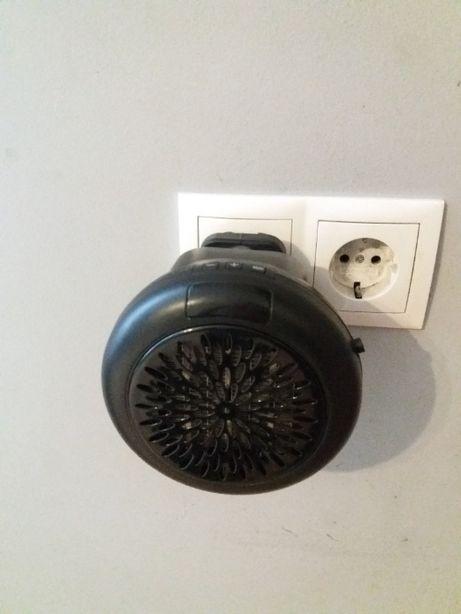 Grzejnik elektryczny mały do kontaktu/gniazdka