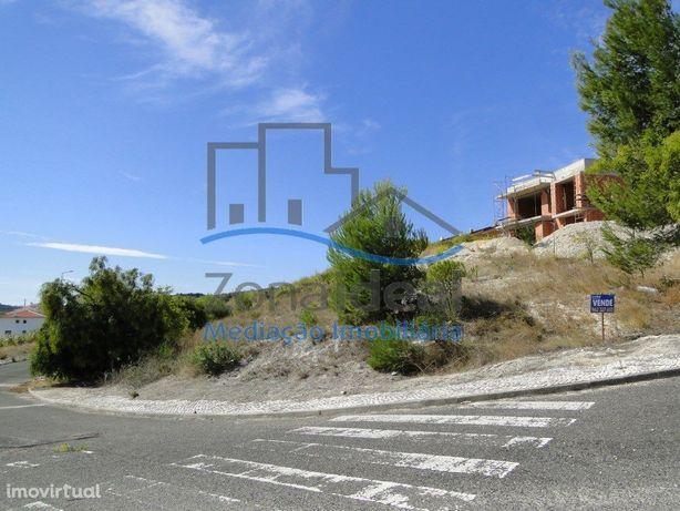 Terreno para construção de moradia, localizado em Alenquer