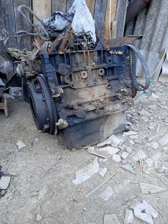 Мотор дизель 12 клапанний поршень колінвал