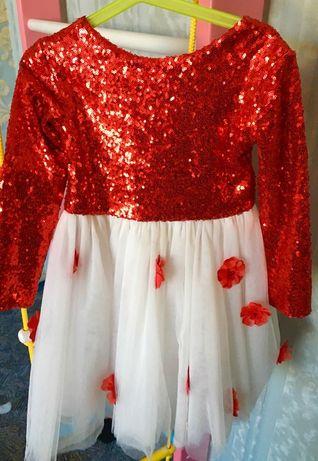 Нарядное платье для девочки 3-4 года