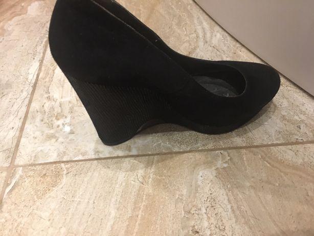 Продам туфлі натуральна замша 39 розмір