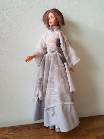 Кукла Барби в дизайнерском платье