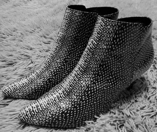Ботинки женские с острым носком next