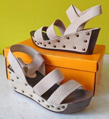 Czółenka, sandały na koturnie beżowe rozmiar 41