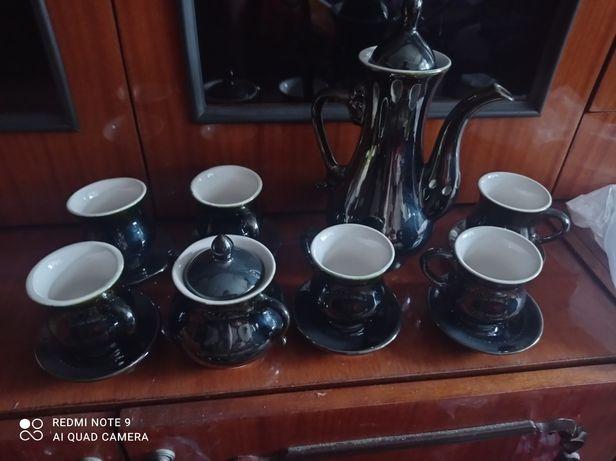 Продам чайно-кофейный сервиз