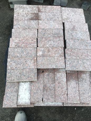 Бруківка плитка гранітна