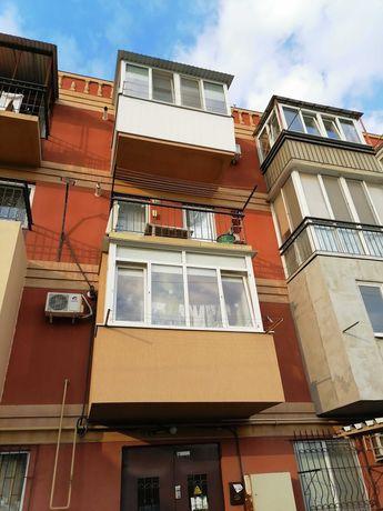 Продам 1 комнатную квартиру на Старицкого.