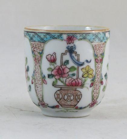Chávena Porcelana Chinesa Companhia Índias dec Flores nº4; Séc XVIII