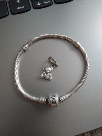 Продам браслет Pandora с шармом