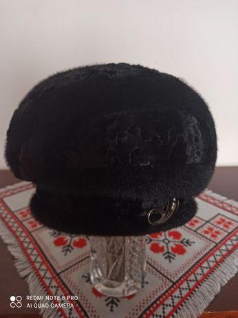 Нова жіноча шапка