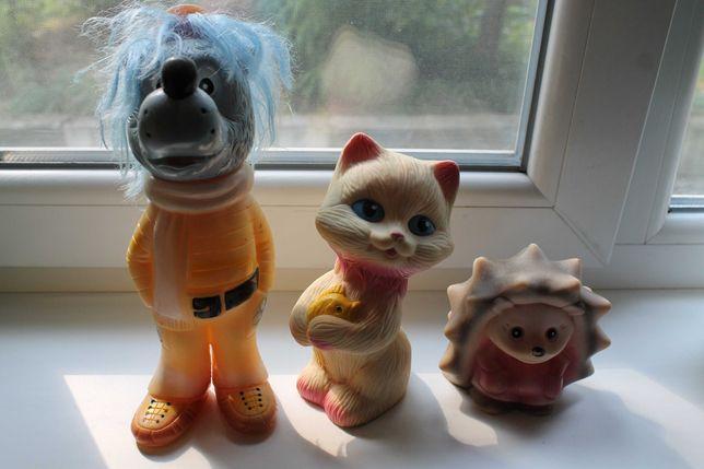 Продам резиновые детские игрушки СССР волк,котик,ёжик