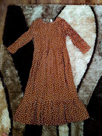 Платье у горошок