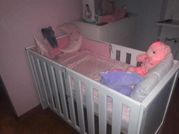 Łóżeczko dla dziewczynki i chłopczyka