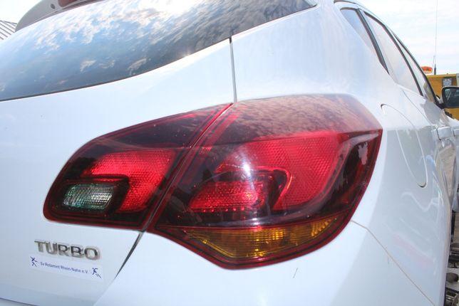 Lampa prawa tył Opel Astra J rok 2010