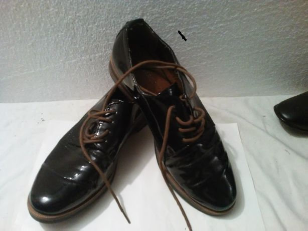 buty oxfordy lakierowane Marco Tozzi roz.38/39 jak nowe