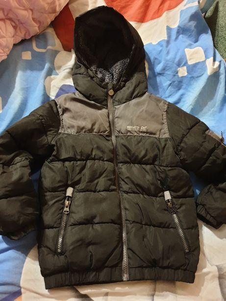 Курточка демисизонная для мальчика 4-6лет