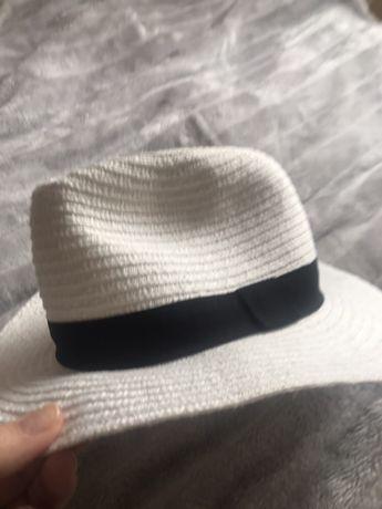 Biały letni kapelusz Reserved