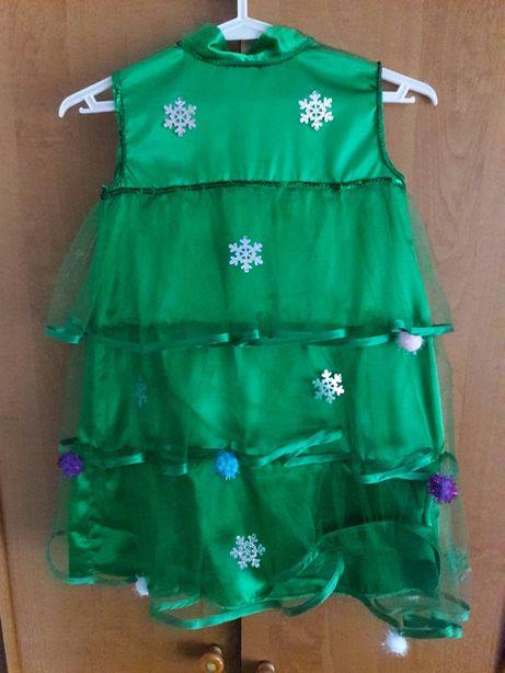 Новогодние костюмы снежинки и елки