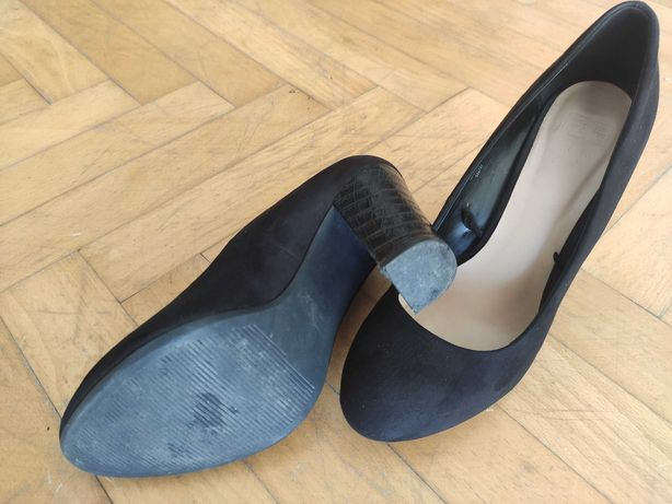 Buty na wężowym słupku rozmiar 39