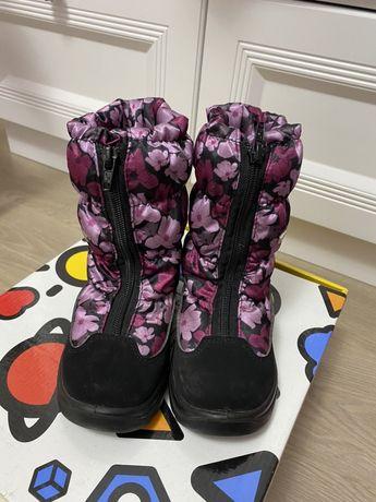 Продам зимние ботинки, сапожки для девочки фирмы skandia