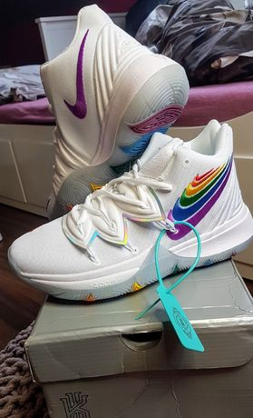 Nike Kyrie 5 Be True EP Rainbow Multi Color 42,5 27cm