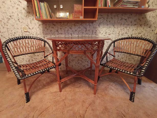 Продам плетеные стол и кресла из лозы
