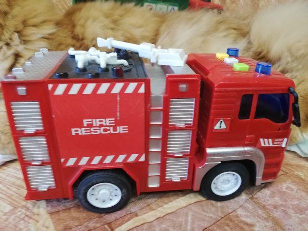 Продам пожарную машинку, звук, свет