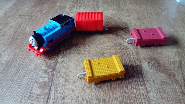 Lokomotywa tomek i trzy wagony tomek i przyjaciele trackmaster
