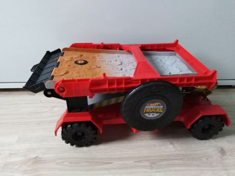 Skocznia samochód monster truck