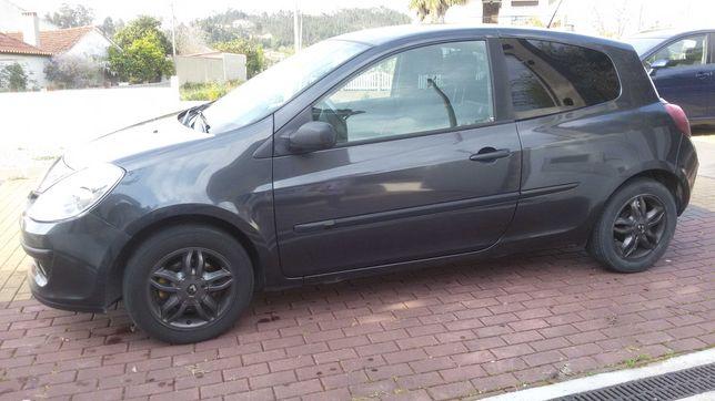 Renault Clio em ótimo estado