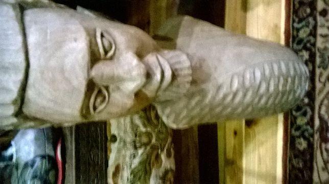 drewniane figury
