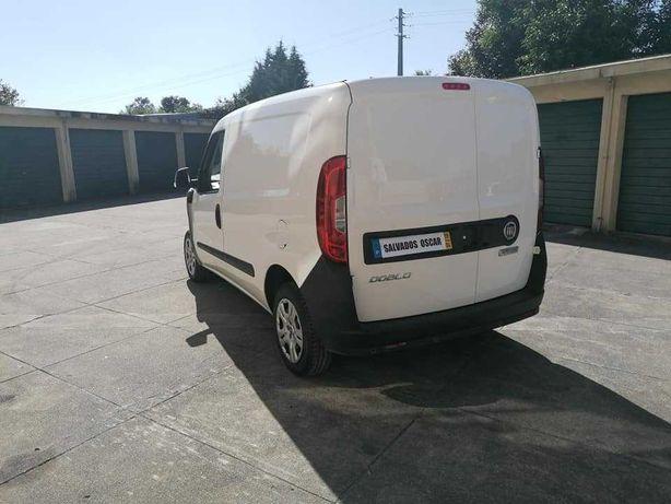 Fiat Dobló 1.3 Multijet 3 - Lugares