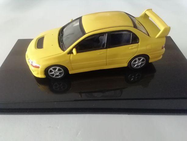 1/43 Mitsubishi Lancer Evolution VIII - 2003 (Miniatura - Automaxx)