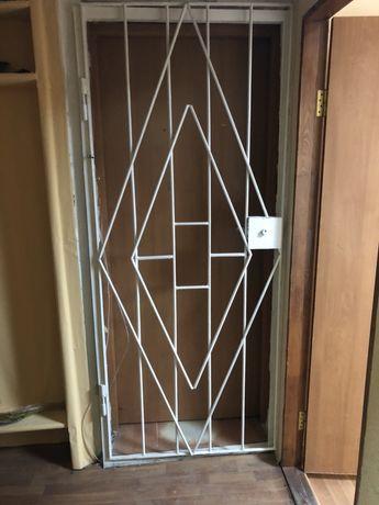 Продам решетку на дверь,дверная решетка