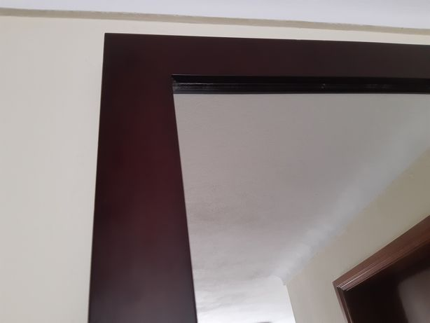 Moldura em madeira com espelho