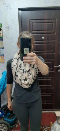Два шарфа нейтральной расцветки за 80 грн
