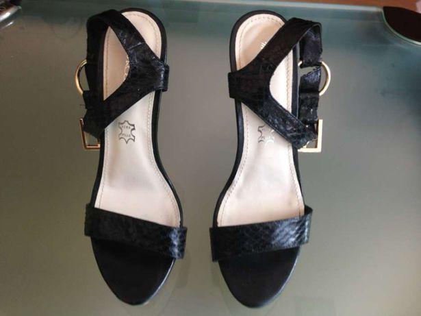 Sandálias pele Maria Rossini - tamanho 40