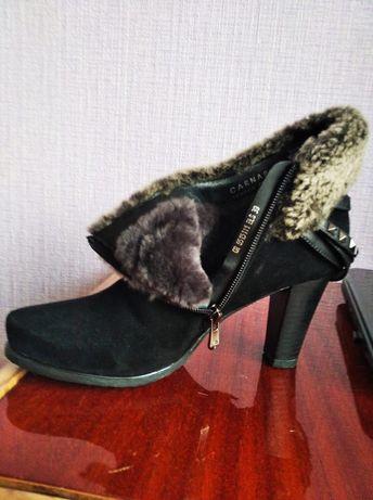 Сапожки битинки на каблуке зимние