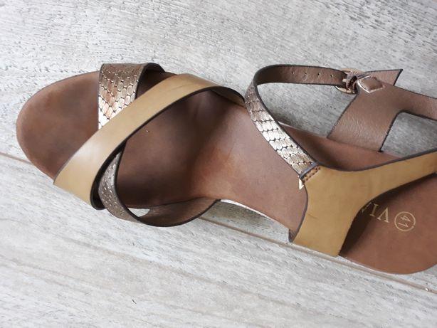 Sandałki CCC
