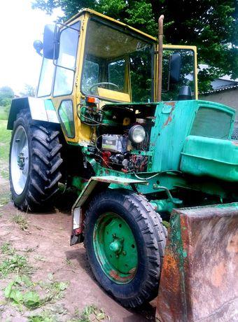 Трактор ЮМЗ 6,в робочому стані.