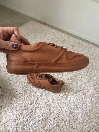 Кроссовки новые, кожа