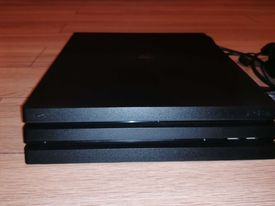 Konsola PS4 + gry