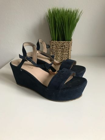 Sandálias de cunha azuis escuras