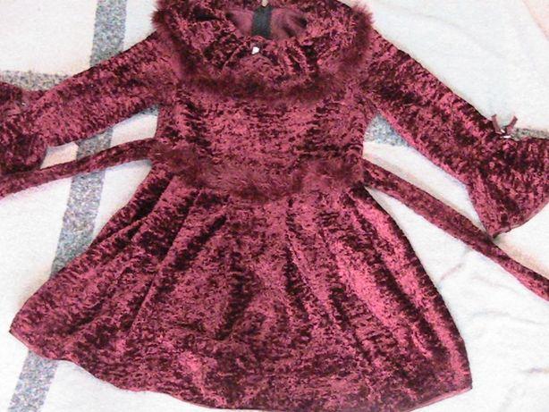 Теплое платье,нарядное.Девочке школа,сад.Состояние идеал.