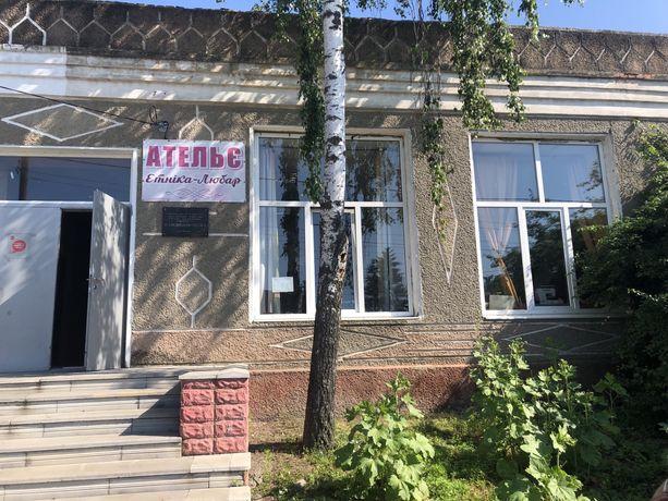 (смт Любар) Продам частину нежитлового приміщення площею  48 кв.м.