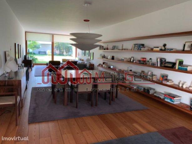 Moradia Moderna V6 com Jardim| MaiaGest